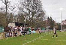 Photo of Jalkapalloaddikti sai annoksensa – 10:n divisioonan kamppailu osoitti, miten iso pieni asia jalkapallo on