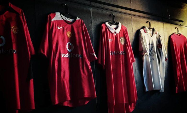 Manchester Unitedin pelipaitoja Helsinki Red Room museolla